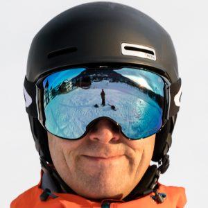 Oakley Airbrake XL goggles i Jet Black design med Prizm Sapphire Iridium linse