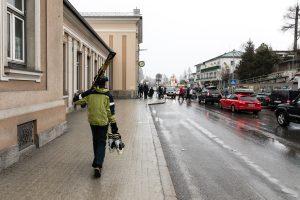Trafik foran togstationen i Bad Gastein // Foto: Troels Kjems