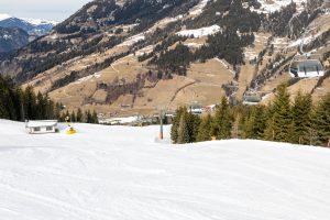 Perfekte sneforhold på Dorfgasteins pister, men ingen sne på de sydvendte bjergsider // Foto: Troels Kjems