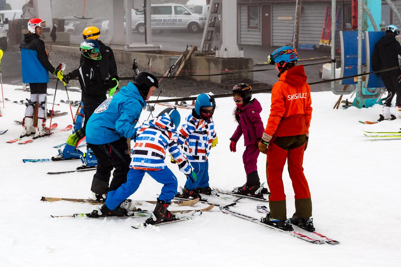 FONNA Glacier Ski Resort Skiskole
