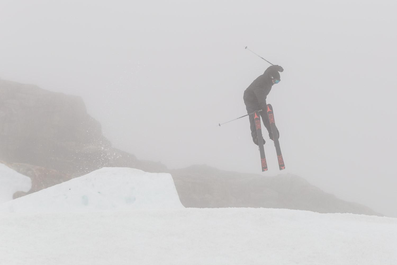 FONNA Glacier Ski Resort i tåge