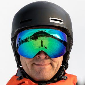 Oakley Flight Deck goggles i Factory Pilot Blackout design med Prizm Jade Iridum linse