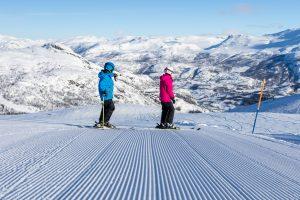 Frostvejr, solskin og nypræparerede pister i Hemsedal // Foto: Troels Kjems
