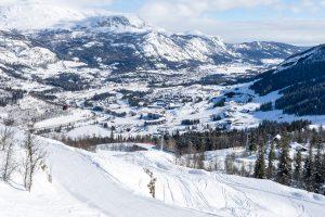 Udsigt fra Skarsnuten ned over Hemsedal // Foto: Troels Kjems