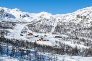 Holdeskarheisens topstation og Roniheisens dalstation // Foto: Troels Kjems