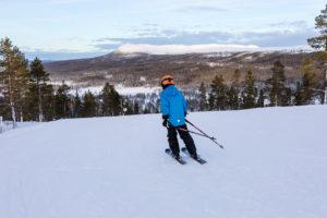 På Idre Fjälls nordvendte pister skinner solen aldrig i december // Foto: Troels Kjems