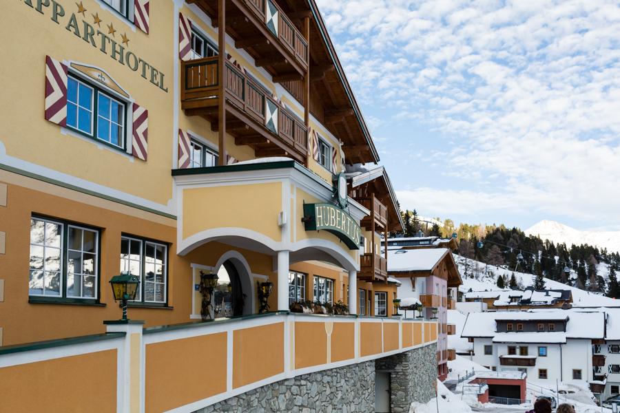 Apparthotel Hubertus er et nyt og lækkert lejlighedskompleks, som ligger lige ved Grünwaldkopfbahn-liften i den vestlige del af Obertauern.