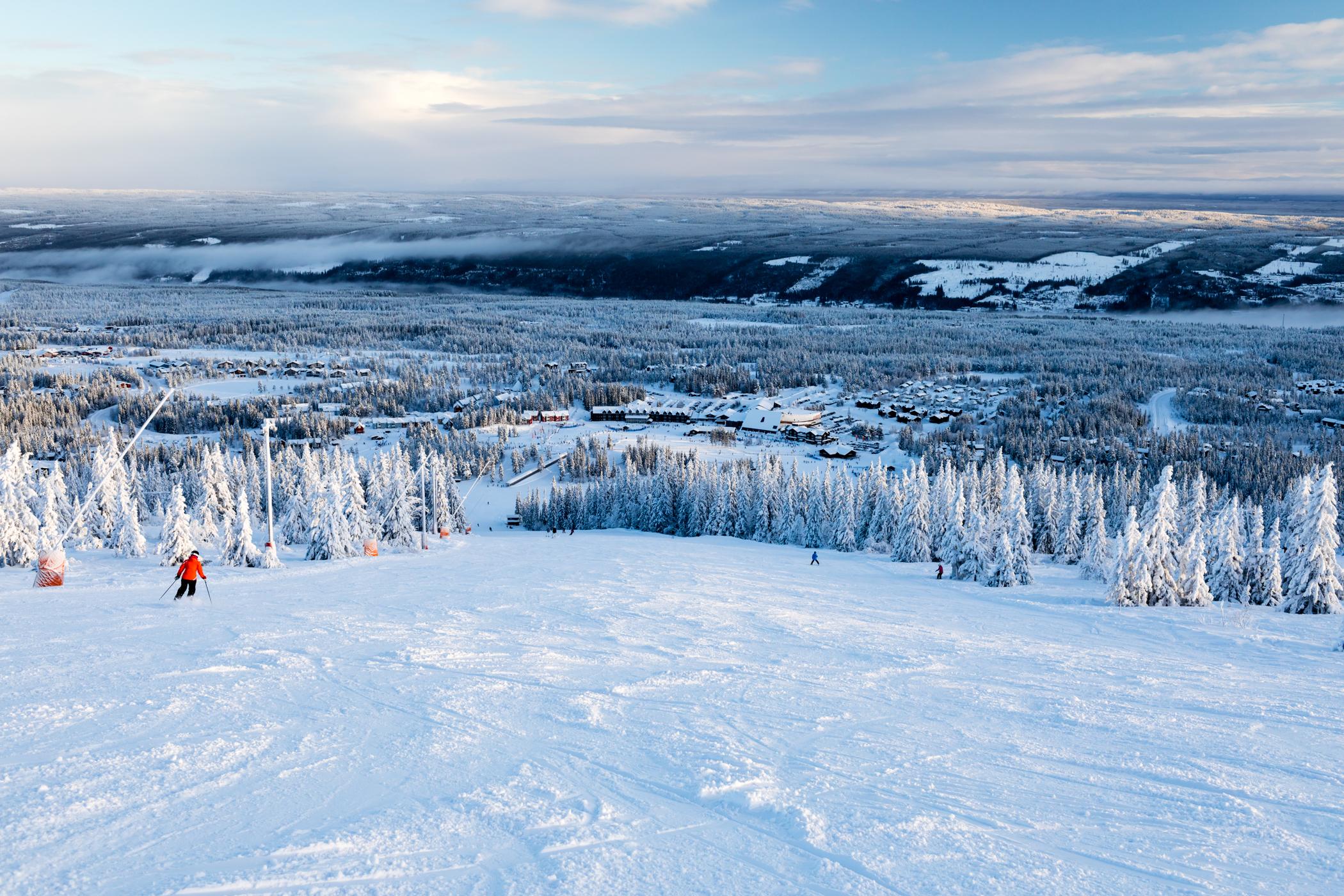Perfekte sneforhold og god plads på Lindvallens pister // Foto: Troels Kjems