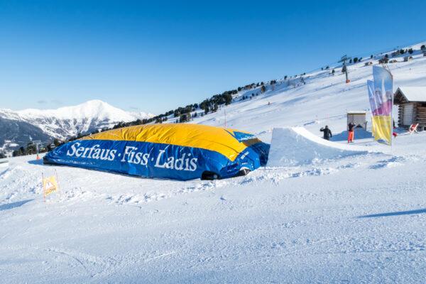 Airbag i snowparken tæt på Zirbenhütte // Foto: Troels Kjems