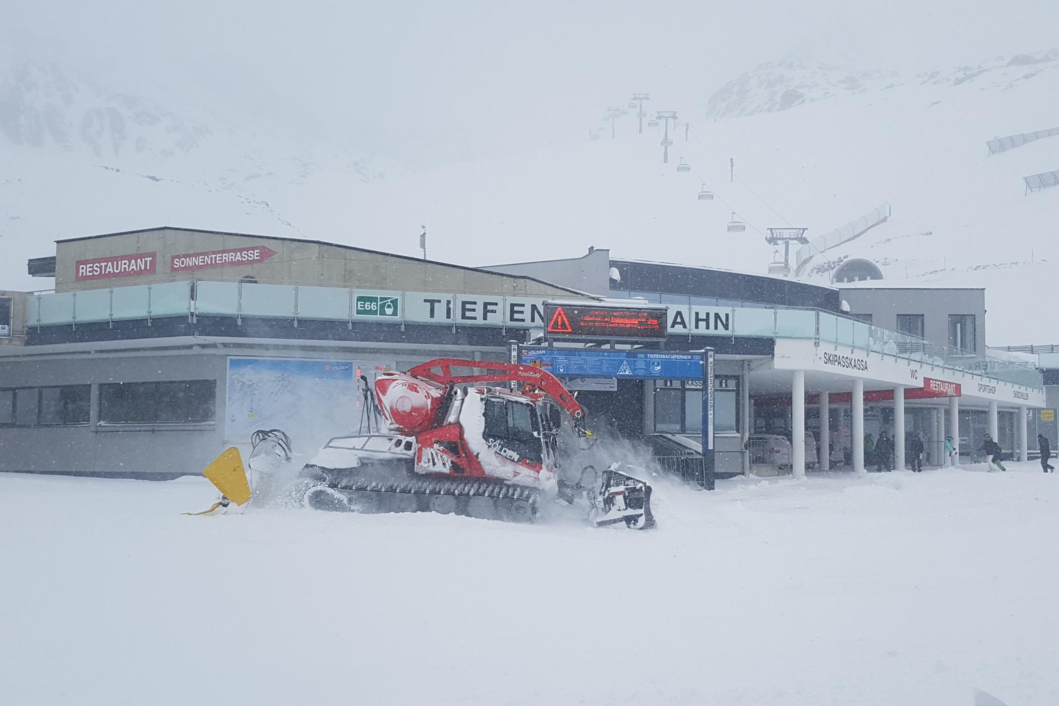 Snestorm på dag 1 af Snowcamp 2017 // Foto: Troels Kjems