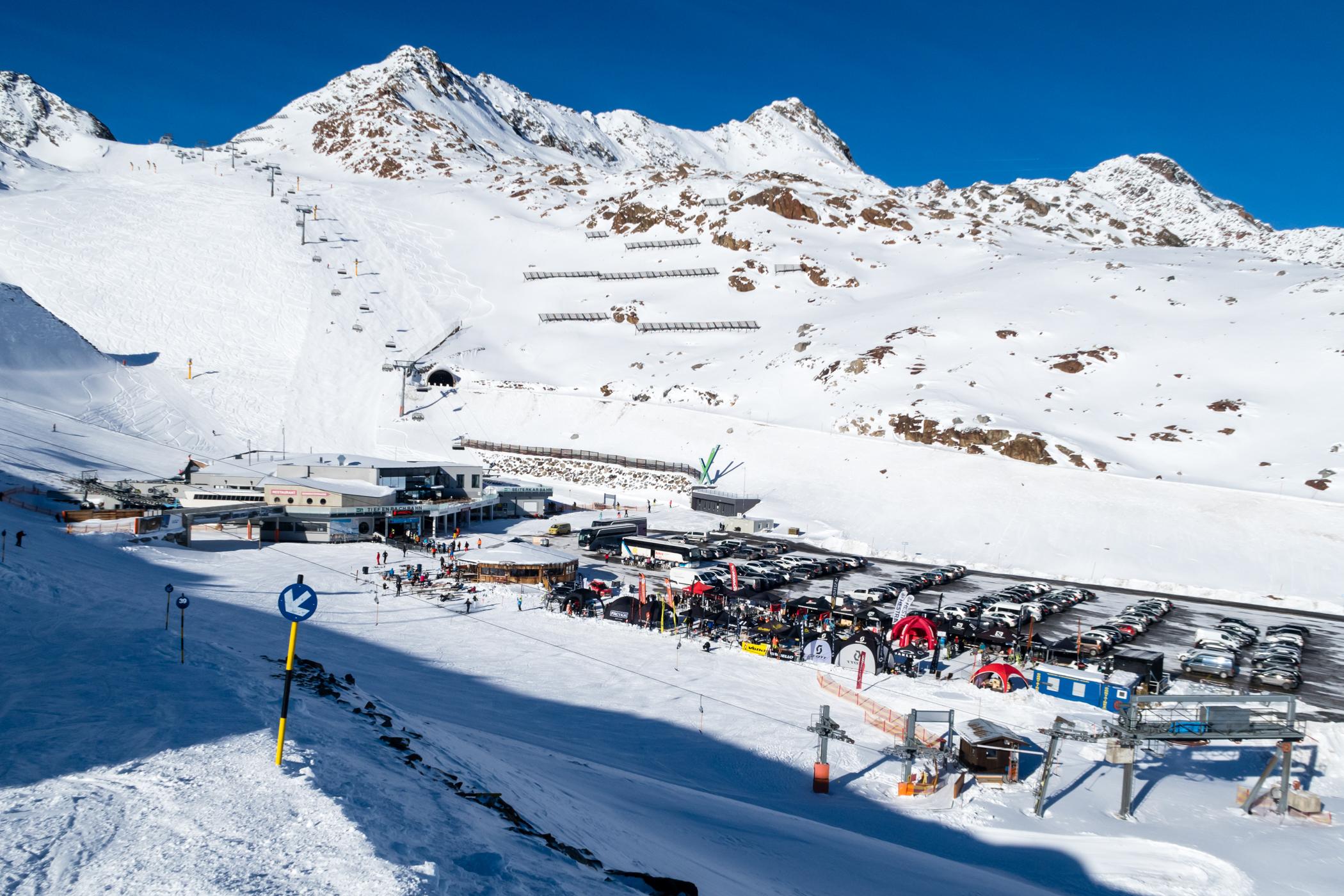 Solskin på dag 2 af Snowcamp 2017 // Foto: Troels Kjems