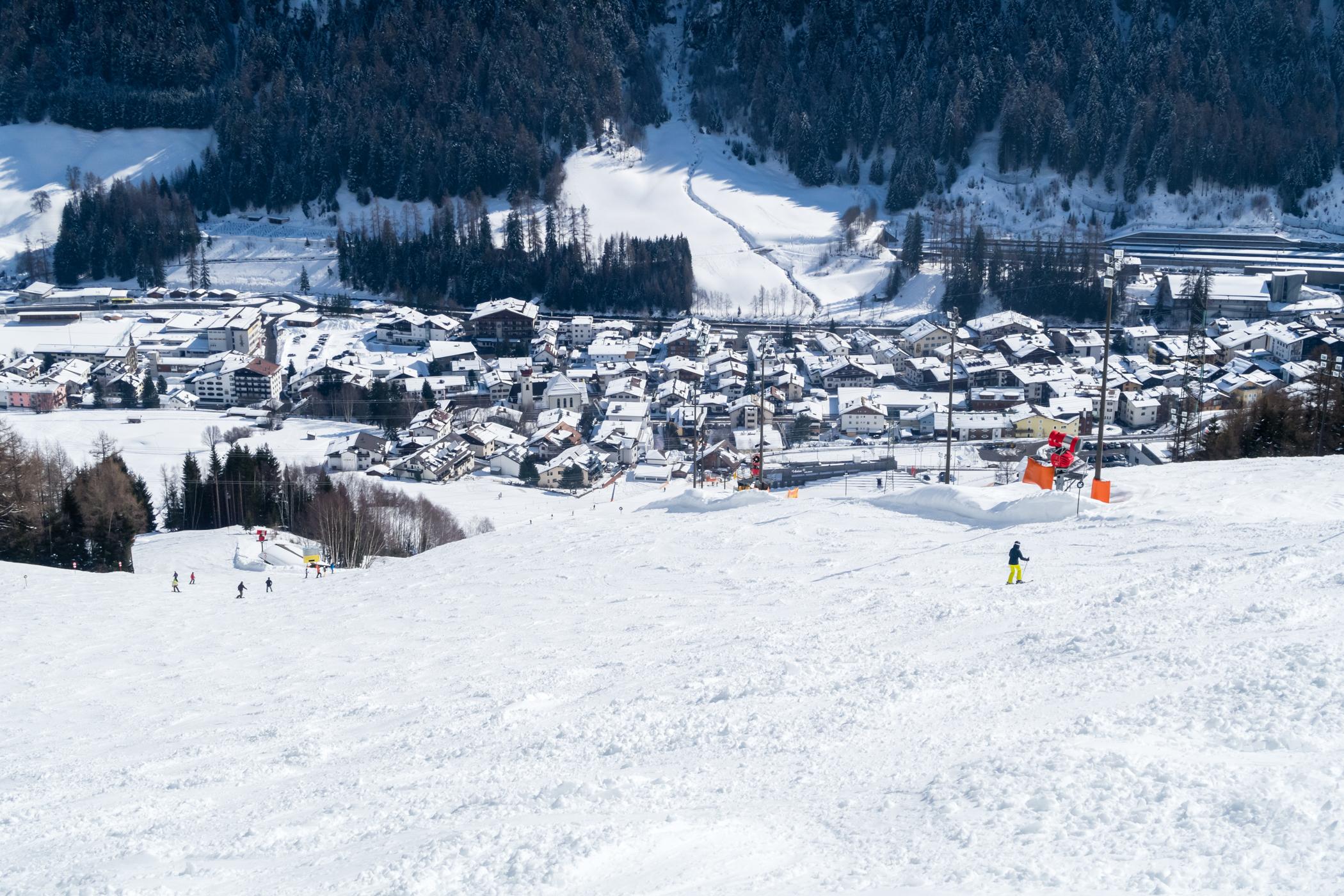 St. Anton am Arlberg set fra pisten // Foto: Troels Kjems